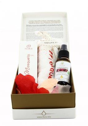Cofanetto alla Rosa Mosqueta con Elasticizzante Antitempo+Acqua di Rose+Mini Asciugamano Viso