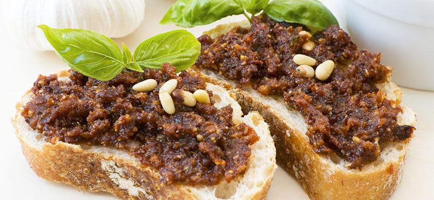 Pesto con Cavolo Nero e Pomodori Secchi - BioGustì