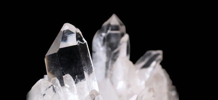 Cristallo di rocca: favorire la salute con le virtù dei minerali
