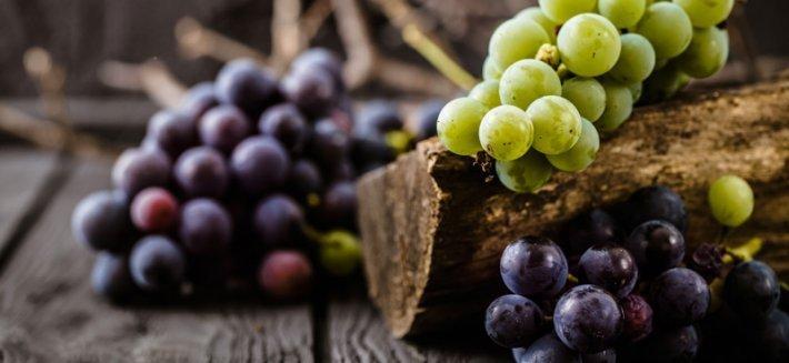 La Cura dell'Uva: Depurarsi con il frutto degli dei