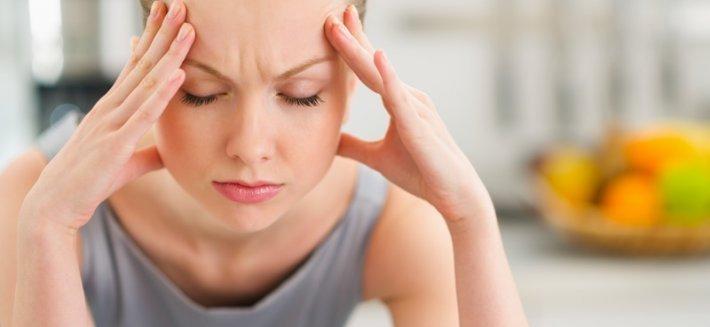 Curare il mal di testa con le piante medicinali