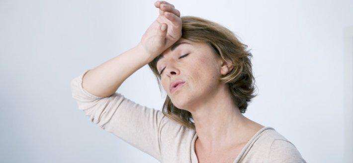 Menopausa: contrastarne i sintomi con gli integratori naturali