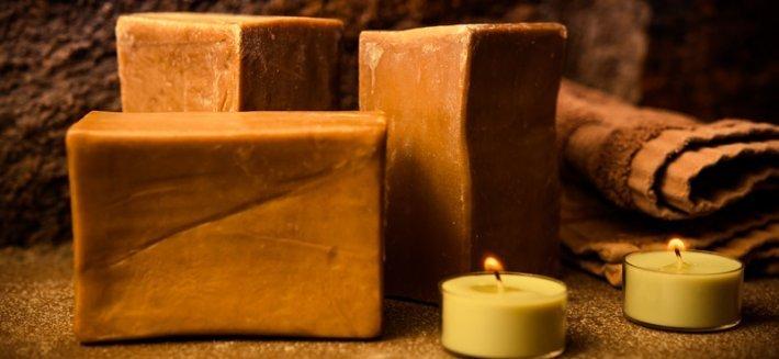 Il sapone di Aleppo, solido o liquido, ha tanti usi e molteplici proprietà