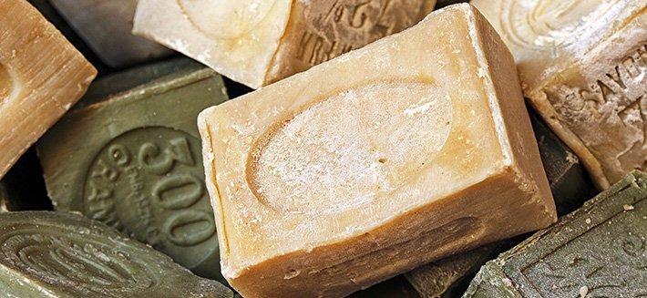 Sapone di marsiglia per lavare, pulire ma anche per la cura di pelle e capelli