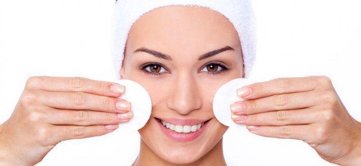 Via il make-up con gli Struccanti Eco-Bio