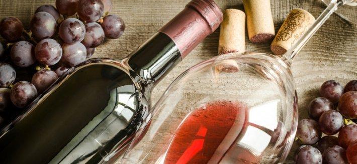 Vino Rosso con Resveratrolo: Fonte di giovinezza per donne e uomini