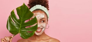 Maskne: cos'è e come eliminare i brufoli da mascherina