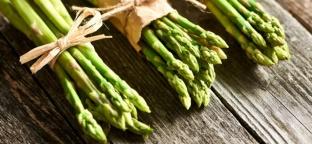 Fusilli ai legumi con verdure primaverili e basilico