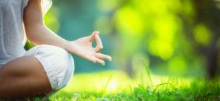 Yoga e Pilates: benefici e strumenti