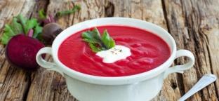 Zuppa di barbabietola rossa